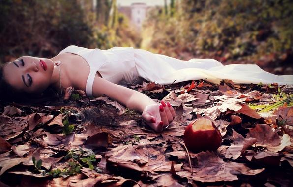 Картинка девушка, яблоко, ситуация