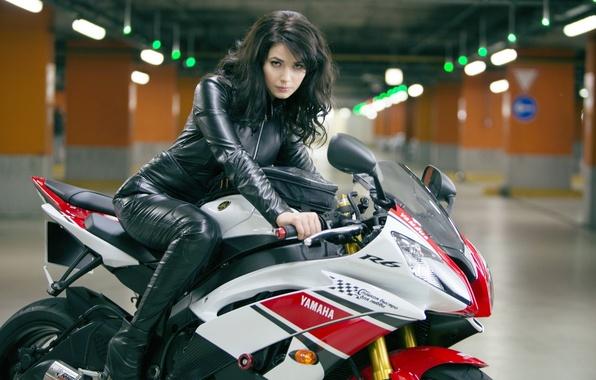 Картинка девушка, секси, актриса, мотоцикл, sexy, красотка, Yamaha, Крепкий орешек, Yuliya Snigir, Хороший день, чтобы умереть, …