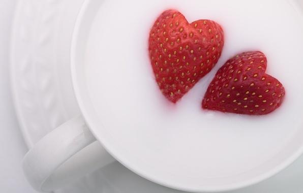 Фото обои молоко, клубника, чашка, сердечки