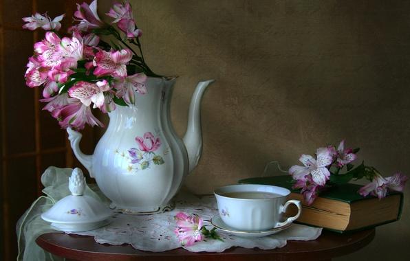 Картинка цветы, кофе, текстура, посуда, книга, натюрморт, винтаж, альстромерия, кофейник