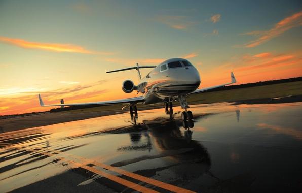 Картинка Закат, Небо, Облака, Вечер, Фото, Авиация, Аэродром, Самолёт, Реактивный, Gulfstream, Бизнес-класса, G650, Гражданская
