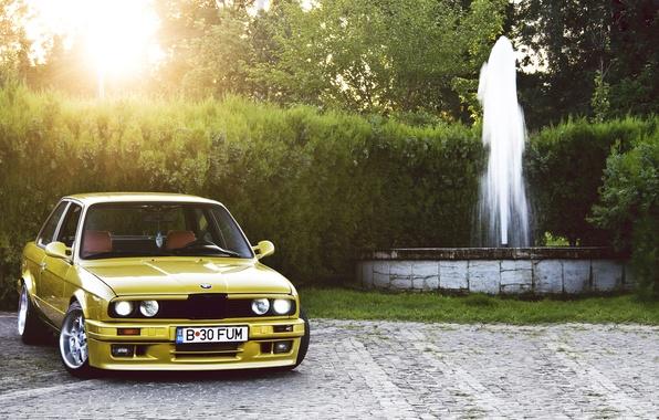 Картинка жёлтый, бмв, BMW, фонтан, yellow, Coupe, E30, 3 Series