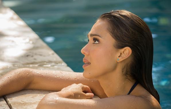 Картинка Jessica Alba, мокрая, бассейн, брюнетка, Джессика Альба, красивая, в воде, How to Make Love Like …