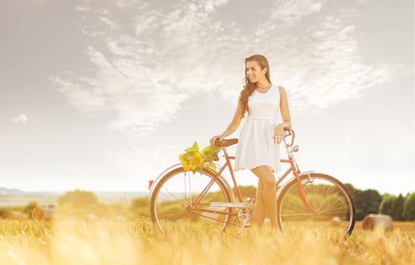 Картинка поле, девушка, велосипед, подсолнух, сено