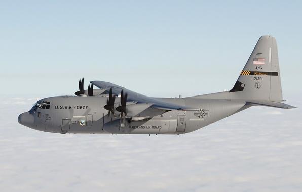 Картинка облака, США, самолёт, летит, Lockheed, Геркулес, военно-транспортный, Hercules, дальности, Локхид, C-130, средней и большой
