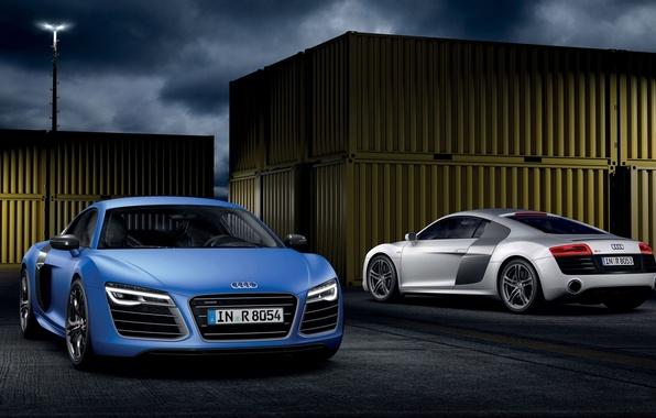 Картинка небо, ночь, синий, Audi, Ауди, серебристый, суперкар, вид сзади, передок, контейнеры, V10, В10, плюс, Plus