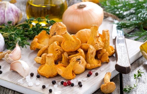 Картинка грибы, лук, укроп, перец, чеснок, лисички, соль, чабрец