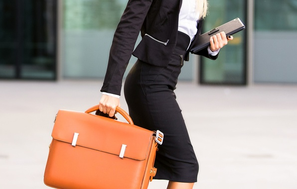 Картинка fashion, leather briefcase, elegant clothes
