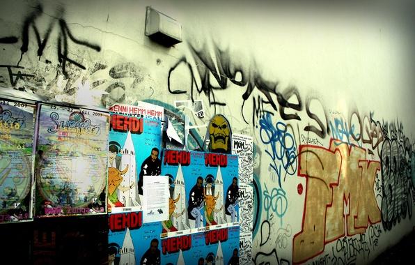 Картинка город, стиль, фото, фон, стена, обои, граффити, реклама, разное, объявления