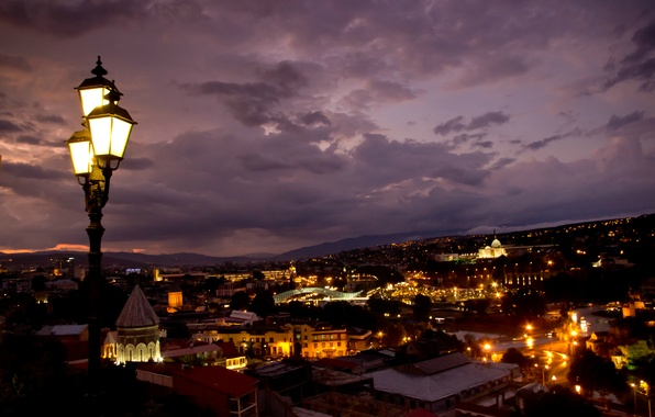 Картинка ночь, город, огни, здания, подсветка, фонари, панорама, архитектура, Грузия, столица, Тбилиси