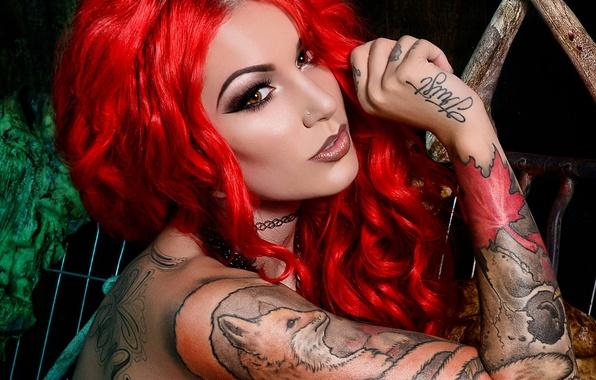 Картинка взгляд, девушка, стиль, макияж, рыжая, girl, украшение, красная, искусство, татуировки, роспись, model, tattoo, рукав, огненная, ...