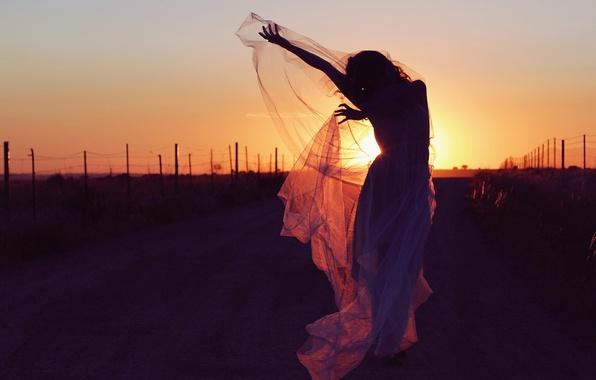 Картинка дорога, девушка, закат, настроение