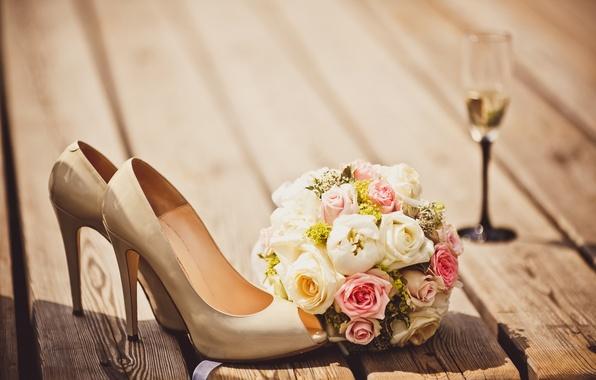 Картинка цветы, бокал, букет, туфли, glass, flowers, shoes, bouquet