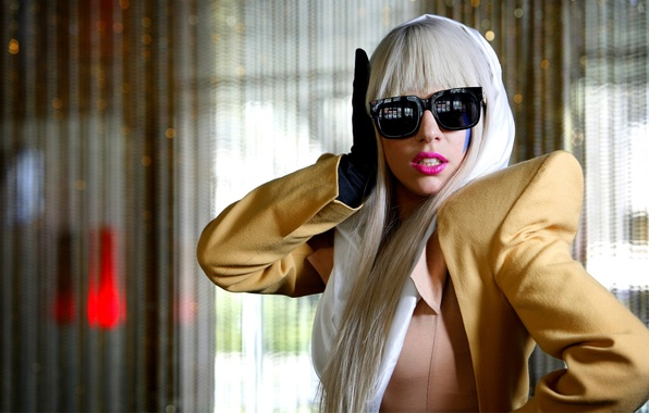 Картинка очки, певица, Lady Gaga, костюмчик