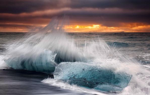 Картинка волны, осень, пляж, небо, облака, брызги, лёд, утро, выдержка, Исландия, Октябрь