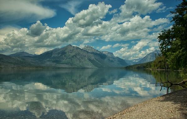 Картинка облака, горы, озеро, отражение, берег, Монтана, Glacier National Park, Глейшер, Скалистые горы, Montana, Национальный парк …