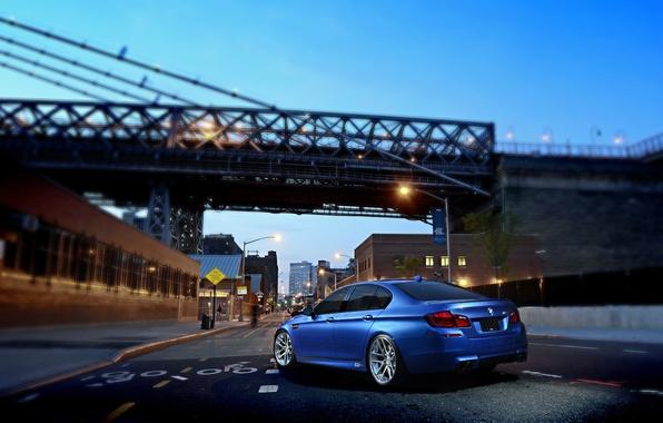 Картинка BMW, Blue, Glow, Bridge, Lights, Night, street, Tuning, F10, Road, Sedan, 5 Series, Wheels, Traffic