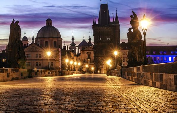 Картинка мост, город, огни, рассвет, здания, утро, брусчатка, Прага, Чехия, освещение, фонари, архитектура, скульптуры, Prague, Praha, …