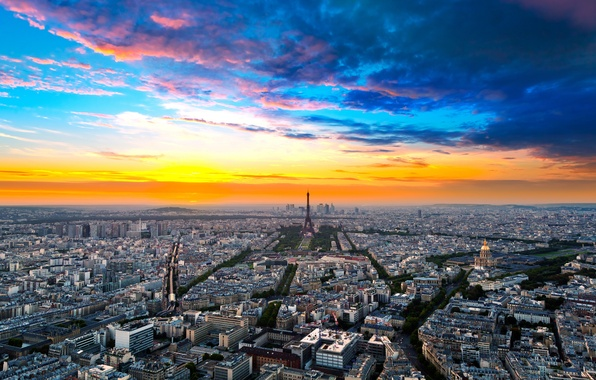 Картинка небо, облака, город, эйфелева башня, здания, париж, дома, горизонт, франция, paris, улицы, france