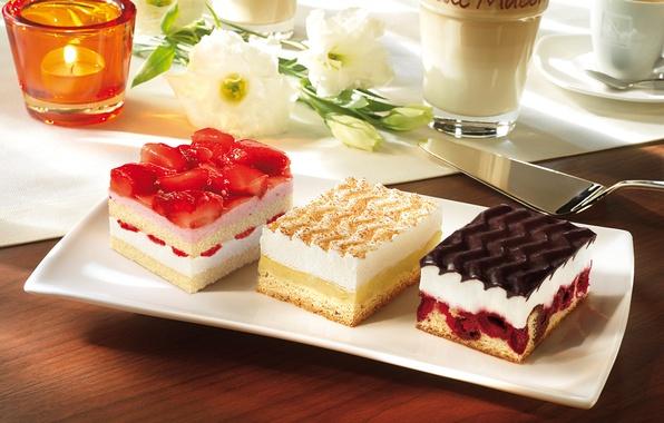 Картинка цветы, вишня, кофе, еда, свеча, клубника, крем, десерт, выпечка, пирожные, сладкое, глазурь, клубничное, ванильное, лопатка, …