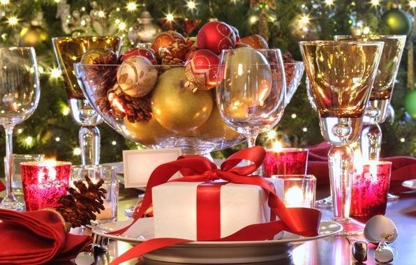 Картинка подарок, шары, свечи, блестки, бокалы, Рождество, Новый год, New Year, gift, новогодние, elegant holiday table, …