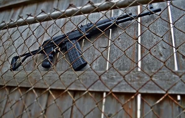 Картинка забор, ружьё, карабин, Сайга, самозарядное