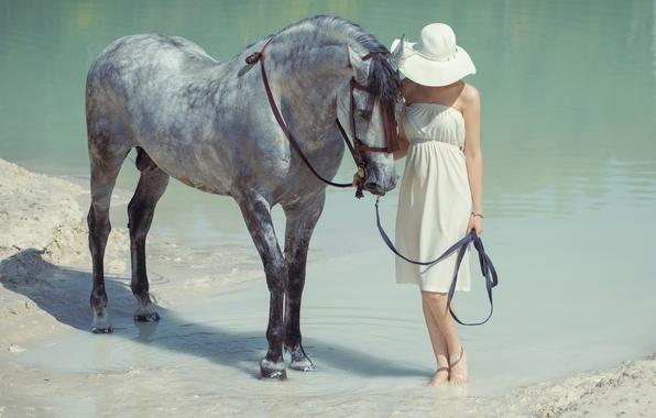 Картинка вода, девушка, конь, шляпа