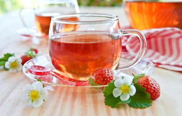 Картинка листья, цветы, ягоды, стол, чай, земляника, клубника, ложка, чашка, посуда, красные, белые, блюдце