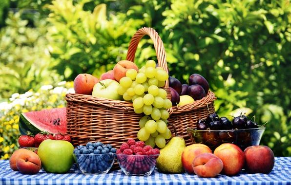 Картинка вишня, ягоды, малина, стол, корзина, яблоки, арбуз, черника, клубника, тарелка, виноград, фрукты, персики, сливы, груши, …