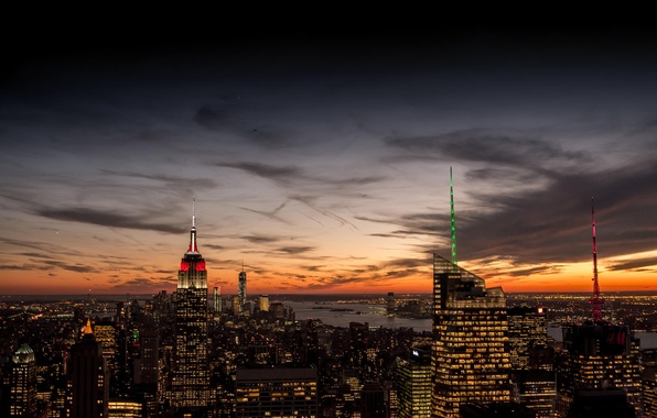Картинка небо, облака, закат, оранжевый, город, огни, вид, здания, дома, Нью-Йорк, небоскребы, вечер, панорама, USA, США, …