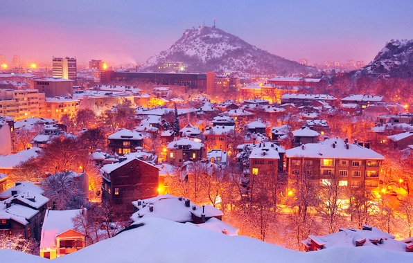 Картинка зима, свет, снег, деревья, город, lights, огни, гора, дома, City, winter, Болгария, Bulgaria, Plovdiv, Пловдив