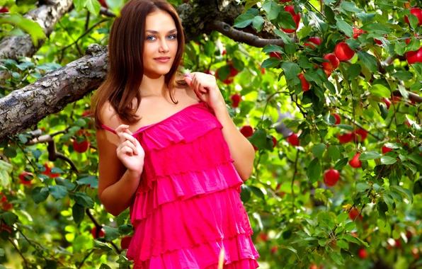 Картинка summer, dress, trees, the, nature, photo, with, beautiful, figure, view, model, garden, hair, shoot, greenery, …