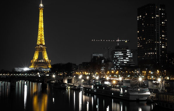 Картинка ночь, огни, река, Франция, Париж, дома, фонари, Эйфелева башня, причалы