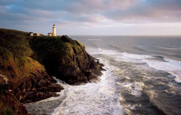 Картинка море, волны, пена, вода, брызги, океан, скалы, берег, пейзажи, камень, маяки, камни скала