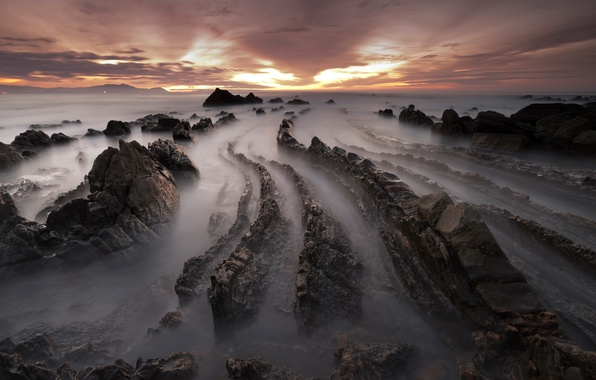 Картинка зима, море, пляж, небо, облака, закат, камни, скалы, вечер, выдержка, Испания, Февраль, Баррика
