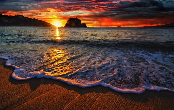 Картинка песок, море, пляж, лучи, свет, отражения, обои, волна, горизонт, wallpaper, облока, пена. солнце
