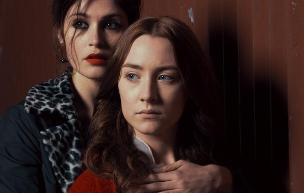 Картинка взгляд, стена, вампиры, Джемма Артертон, актрисы, Saoirse Ronan, Сирша Ронан, Gemma Arterton, Византия, Byzantium