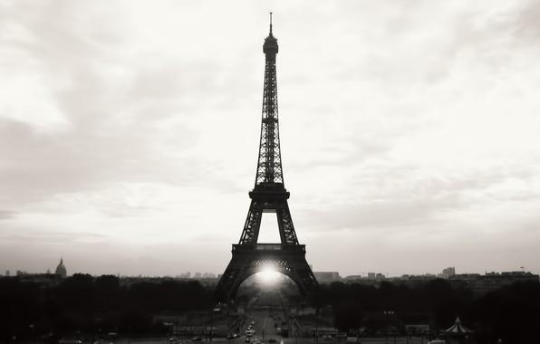 Картинка небо, city, город, эйфелева башня, париж, ч/б, франция, paris, france