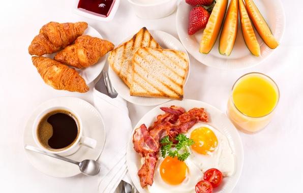 Картинка кофе, завтрак, сливки, клубника, сок, фрукты, яичница, cup, джем, поднос, бекон, coffee, тосты, круассаны, croissant, …
