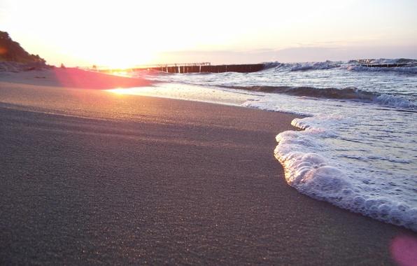 Картинка песок, море, пляж, лето, пена, солнце, свет, природа, берег, волна