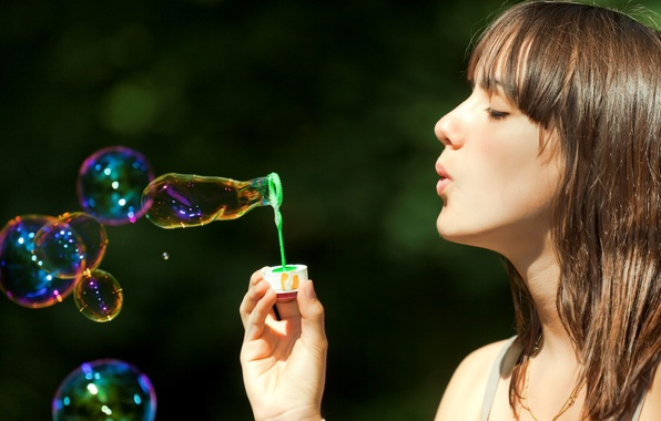 Картинка пузыри, Девушка, шатенка