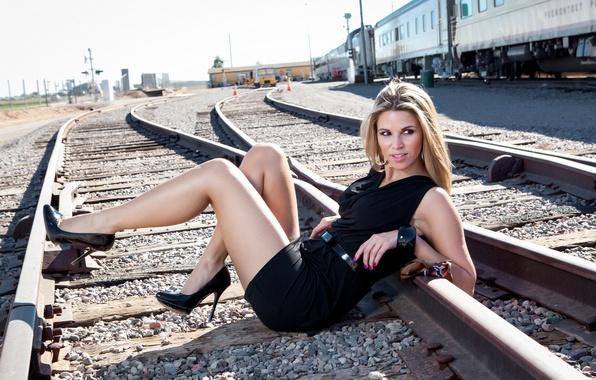 Картинка Model, Tracks, Camila Negreiros