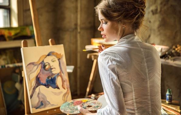 Картинка девушка, краски, картина, фотограф, художник, мастерская, кисть, художница, мольберт, гуашь, Roman Sinichkin