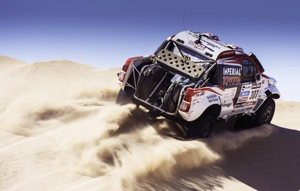 Картинка Песок, Авто, Белый, Спорт, Машина, Скорость, Гонка, Toyota, Rally, Dakar, Внедорожник, Ралли, 2014, Дюна