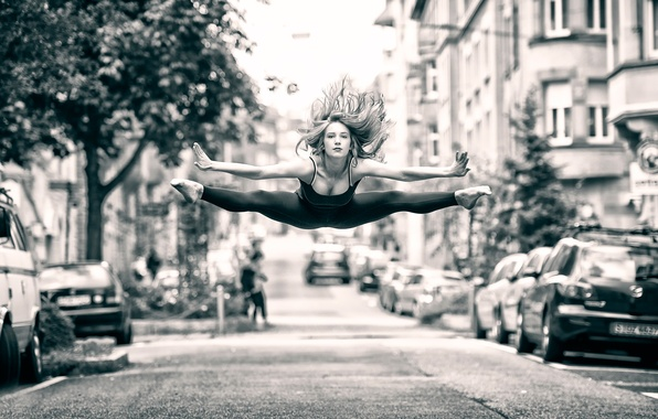 Картинка девушка, город, прыжок, улица, танец, полёт
