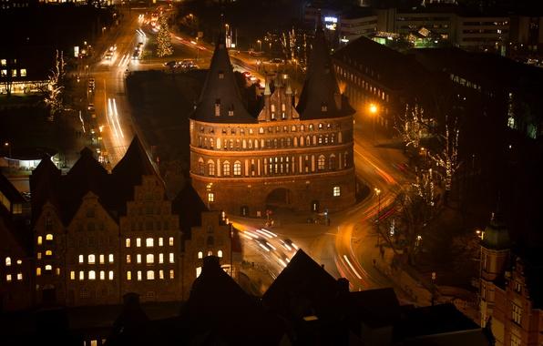 Картинка ночь, огни, башня, дома, ворота, Германия, Любек