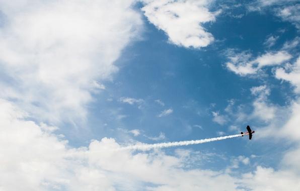 Картинка небо, облака, полет, самолет, шлейф, кукурузник