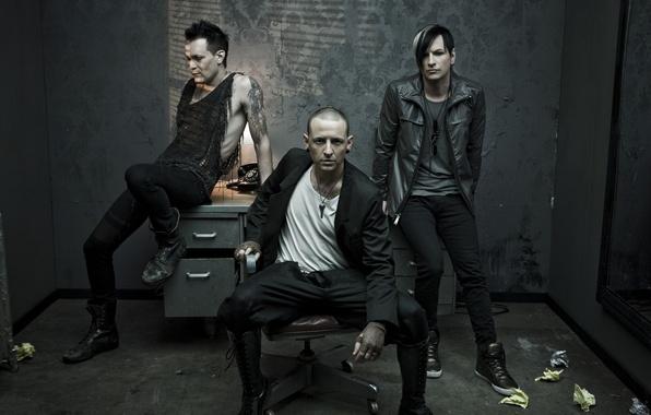 Картинка стол, кресло, зеркало, телефон, проект, Linkin Park, Chester Bennington, Dead By Sunrise, Честер Беннингтон, сольный, …