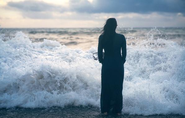 Картинка девушка, волна, прибой