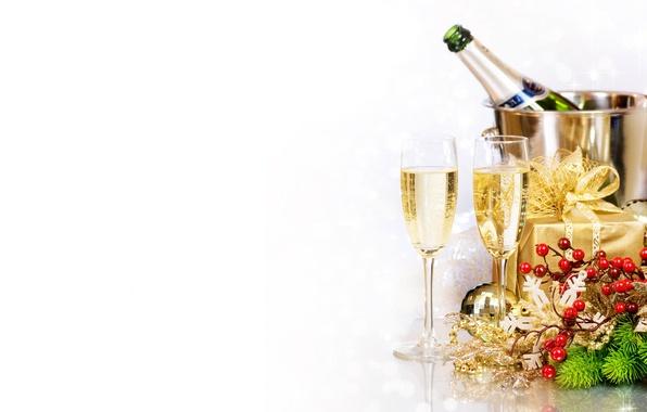 Картинка ветки, коробка, подарок, бутылка, новый год, рождество, бокалы, ёлка, напиток, декорации, шампанское, праздники, ведёрка